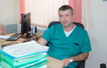Overlægen på den proktologiske afdeling på Odessa-ILCOs basehospital Nr. 10 Yehor Grinchenko.